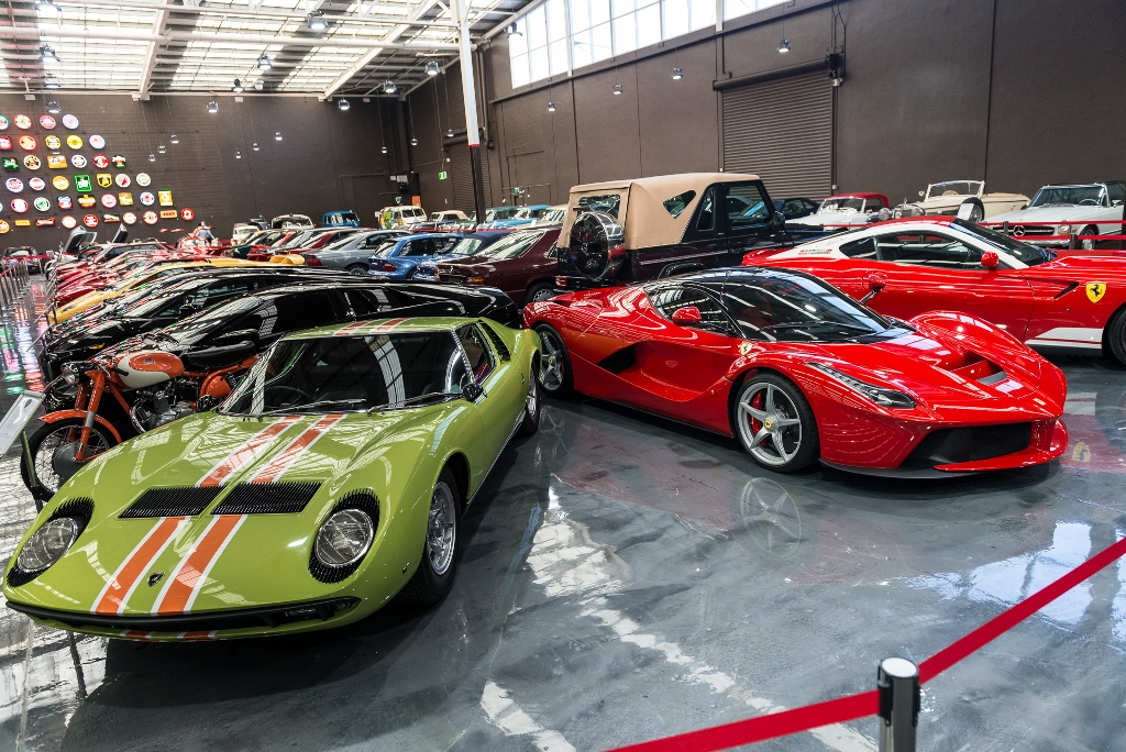 Interesting size comparison with the Miura! Photo credit to the amazing skills of Matthew Everingham.